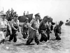 800px-Douglas_MacArthur_lands_Leyte1